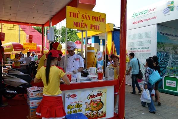 Hội chợ hàng Việt Nam chất lượng cao 2011