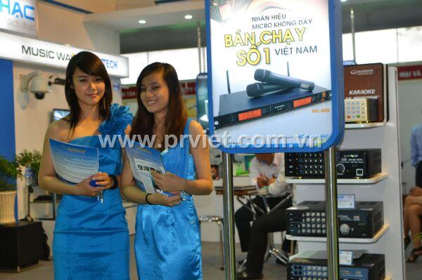 PG PR Việt tại hội chợ Viet Build