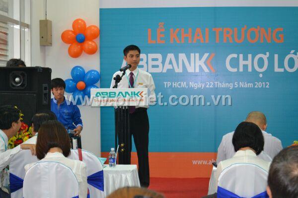 Trưởng phòng Nguyễn Bảo Trọng đọc phát biểu.