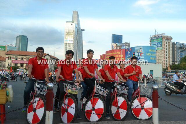 Đội hình roadshow xe đạp Dương Minh