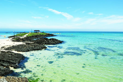 Biển cách trung tâm Jeju khoảng 14 km