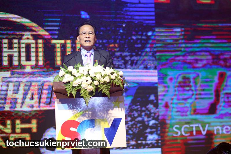 Ông trần Văn Uý - Tổng giám đốc SCTV phát biểu