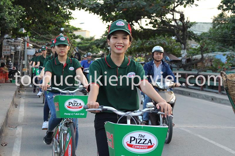 Đoàn Roadshow đạp xe trên các tuyến đường chính